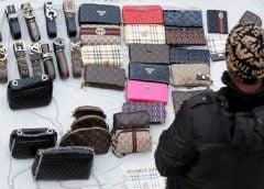 500 euro za przestrzeganie prawa: tyle Barcelona chce płacić ulicznym handlarzom